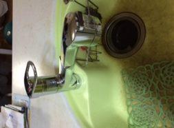 キッチンシャワー水栓水漏れのイメージ
